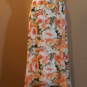 High Lo Floral Skirt 20W
